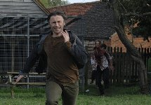 Robert Carlyle runs for his life